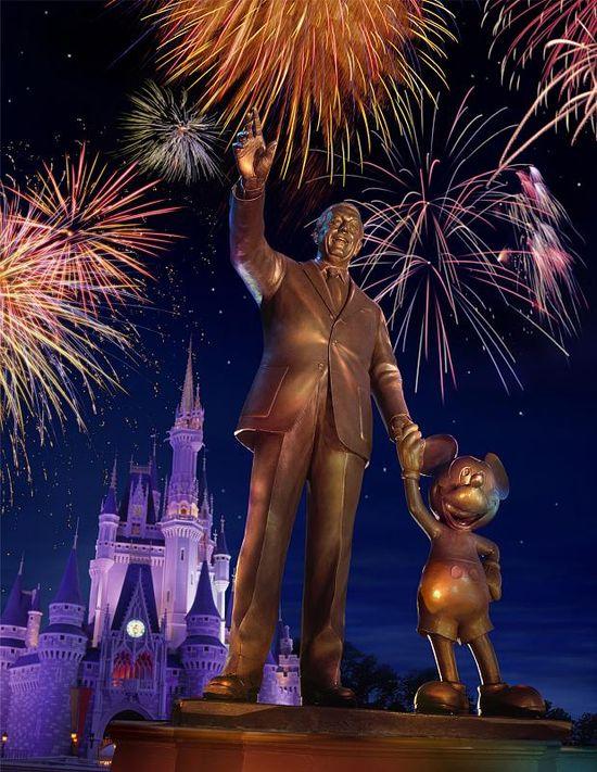 Walt statue